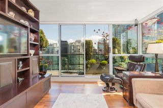 """Photo 10: PH3 555 JERVIS Street in Vancouver: Coal Harbour Condo for sale in """"HARBOURSIDE PARK II"""" (Vancouver West)  : MLS®# R2578170"""