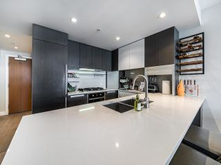 """Photo 2: 1202 288 W 1ST Avenue in Vancouver: False Creek Condo for sale in """"The James"""" (Vancouver West)  : MLS®# R2589567"""
