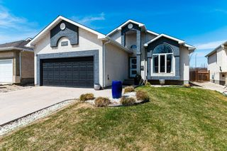 Photo 1: 72 Orchard Hill Drive in Winnipeg: Royalwood Residential for sale (2J)  : MLS®# 202015350