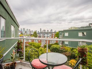 """Photo 4: 303 1540 MARINER Walk in Vancouver: False Creek Condo for sale in """"MARINER POINT"""" (Vancouver West)  : MLS®# V1121673"""
