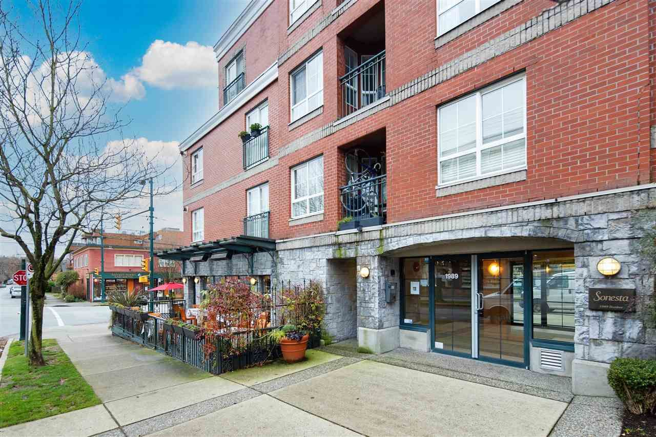 "Main Photo: 313 1989 DUNBAR Street in Vancouver: Kitsilano Condo for sale in ""THE SONESTA"" (Vancouver West)  : MLS®# R2526928"