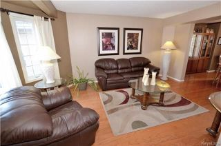 Photo 3: 48 Chadwick Crescent in Winnipeg: Canterbury Park Residential for sale (3M)  : MLS®# 1807939