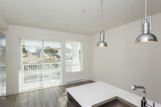 """Photo 13: 307 16396 64 Avenue in Surrey: Cloverdale BC Condo for sale in """"The Ridge at Bose Farms"""" (Cloverdale)  : MLS®# R2002175"""