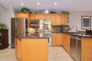 """Photo 12: 5748 168TH Street in Surrey: Cloverdale BC House for sale in """"RICHARDSON RIDGE"""" (Cloverdale)  : MLS®# R2024526"""