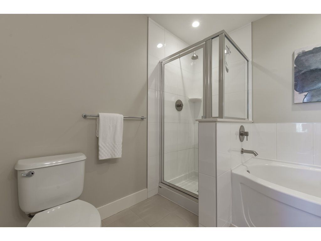 """Photo 16: Photos: 318 5430 201 Street in Langley: Langley City Condo for sale in """"The Sonnet"""" : MLS®# R2282213"""