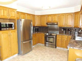 Photo 7: 676 Community Row in WINNIPEG: Charleswood Residential for sale (South Winnipeg)  : MLS®# 1513741