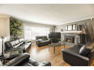 Photo 4: 26677 29 Avenue in Langley: Aldergrove Langley House for sale : MLS®# R2567945