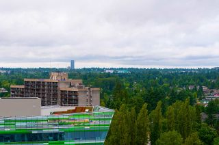 """Photo 6: 2005 9981 WHALLEY Boulevard in Surrey: Whalley Condo for sale in """"PARK PLACE 2"""" (North Surrey)  : MLS®# R2385178"""
