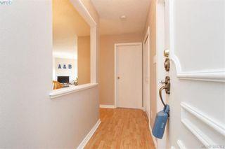 Photo 4: 306 1525 Hillside Ave in VICTORIA: Vi Oaklands Condo for sale (Victoria)  : MLS®# 782338
