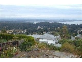 Photo 1: 3392 Fulton Rd in VICTORIA: Co Triangle House for sale (Colwood)  : MLS®# 321153