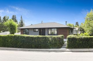 Main Photo: 120 Gloucester Crescent SW in Calgary: Glamorgan Detached for sale : MLS®# A1141280