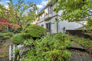 Photo 2: 8574 Kingcome Cres in : NS Dean Park House for sale (North Saanich)  : MLS®# 887973