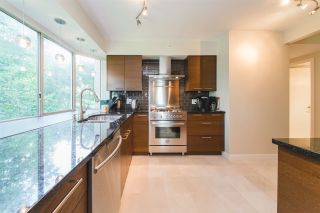 """Photo 8: 303 2288 W 40TH Avenue in Vancouver: Kerrisdale Condo for sale in """"Kerrisdale Park"""" (Vancouver West)  : MLS®# R2398261"""