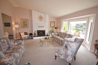 Photo 2: 6279 Blueback Rd in : Na North Nanaimo House for sale (Nanaimo)  : MLS®# 882291