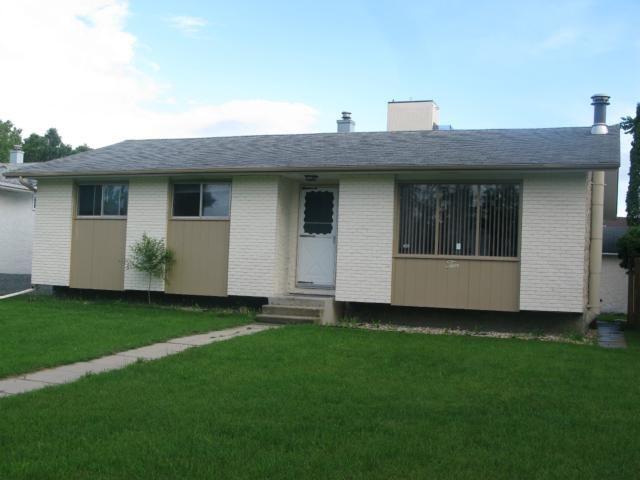 Main Photo: 10 Mandan Road in WINNIPEG: Maples / Tyndall Park Residential for sale (North West Winnipeg)  : MLS®# 1213235