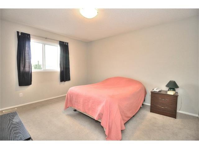 Photo 27: Photos: 123 EVERMEADOW Avenue SW in Calgary: Evergreen House for sale : MLS®# C4072165