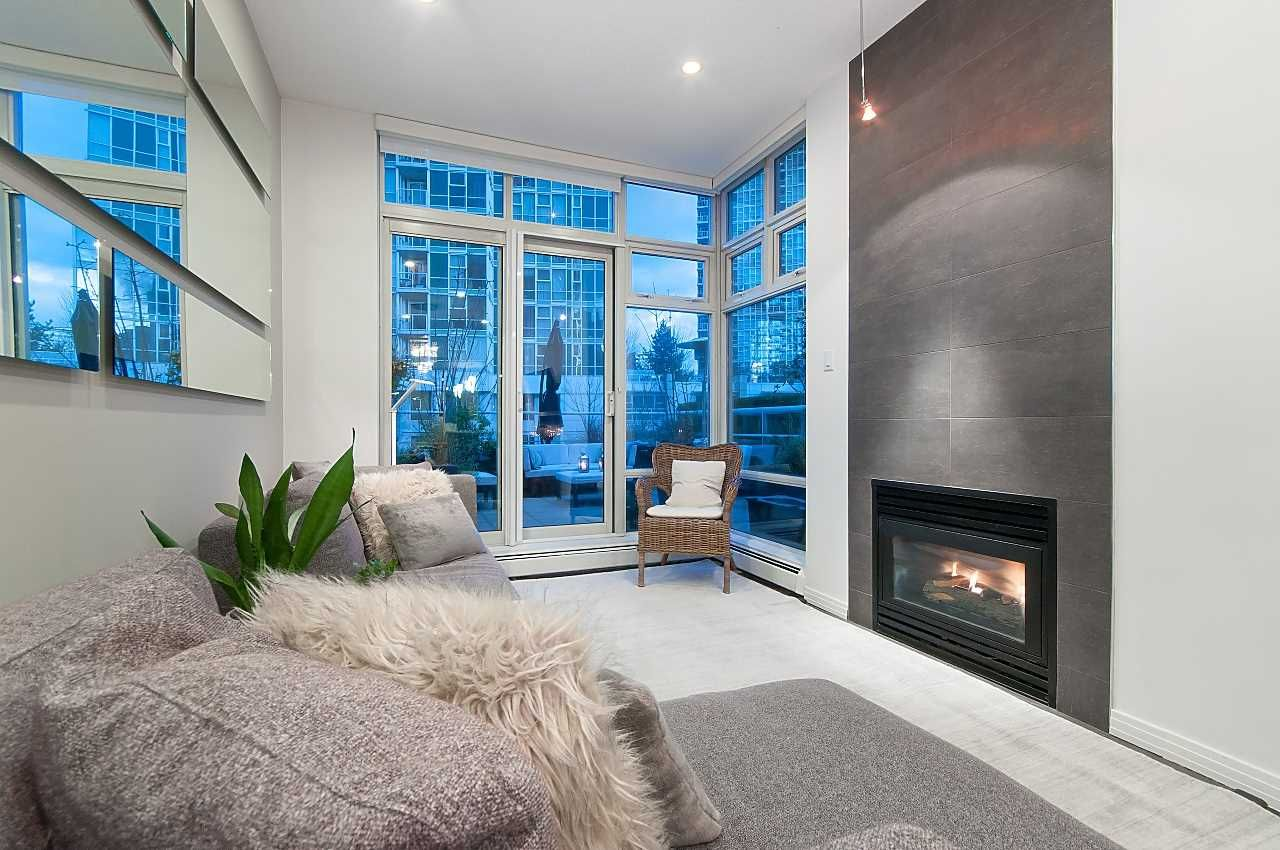 Photo 3: Photos: 302 198 AQUARIUS MEWS in Vancouver: Yaletown Condo for sale (Vancouver West)  : MLS®# R2231023