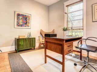Photo 2: 122 Bertmount Avenue in Toronto: South Riverdale House (3-Storey) for sale (Toronto E01)  : MLS®# E3240996