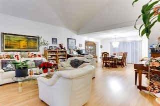 Photo 3: 2927 MEADOWVISTA Place in Coquitlam: Westwood Plateau House for sale : MLS®# R2522432