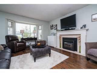 Photo 4: 20440 WALNUT Crescent in Maple Ridge: Southwest Maple Ridge House for sale : MLS®# R2164785