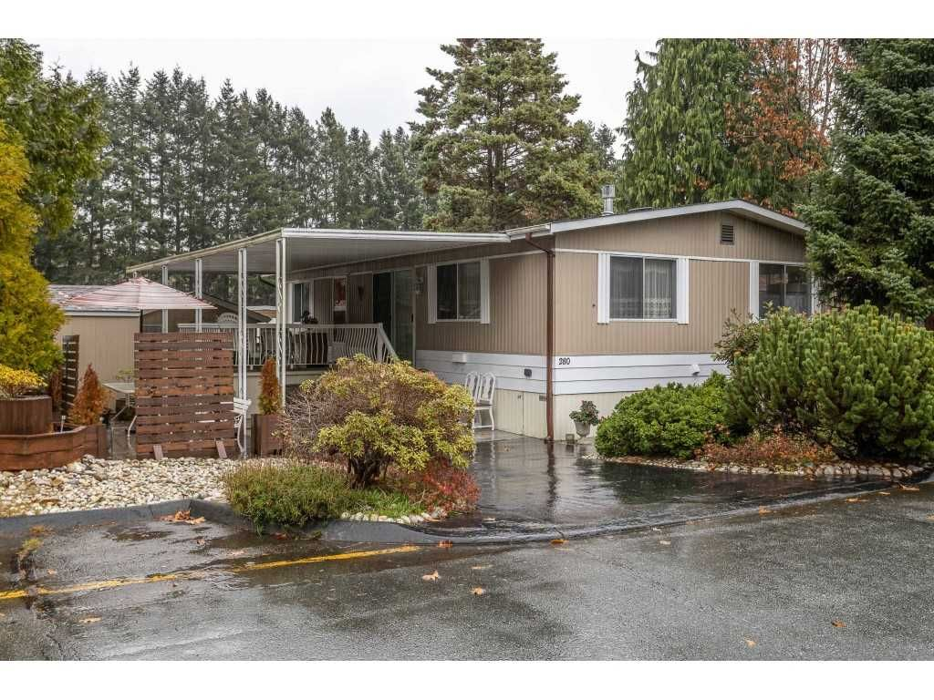 """Main Photo: 280 1840 160 Street in Surrey: King George Corridor Manufactured Home for sale in """"BREAKAWAY BAYS"""" (South Surrey White Rock)  : MLS®# R2517093"""