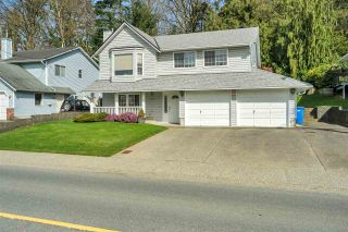 Photo 2: 3046 MCMILLAN Road in Abbotsford: Abbotsford East House for sale : MLS®# R2560396