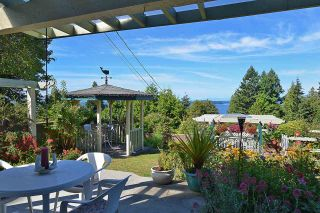 """Photo 8: 5160 RADCLIFFE Road in Sechelt: Sechelt District House for sale in """"SELMA PARK"""" (Sunshine Coast)  : MLS®# R2100427"""