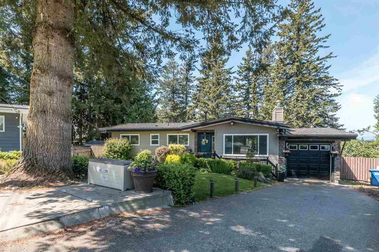 Main Photo: 32561 WILLINGDON Crescent in Abbotsford: Abbotsford West House for sale : MLS®# R2581514