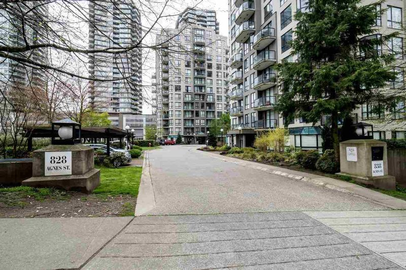 FEATURED LISTING: 1401 - 828 AGNES Street New Westminster