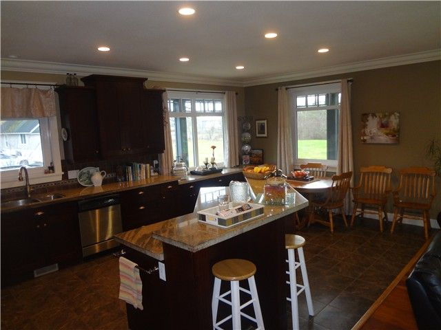 Photo 4: Photos: 43807 KEITH WILSON Road in Sardis: Sardis West Vedder Rd House for sale : MLS®# H1400617