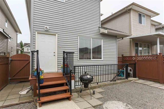 Photo 19: Photos: 16627 59A Avenue in Surrey: Cloverdale BC House for sale (Cloverdale)  : MLS®# R2287979