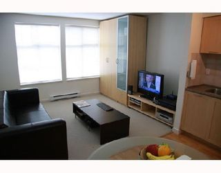 """Photo 2: 303 1503 W 65TH Avenue in Vancouver: S.W. Marine Condo for sale in """"SOHO"""" (Vancouver West)  : MLS®# V716674"""