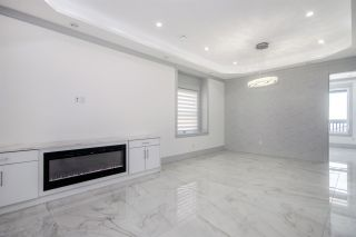 Photo 3: 5276 MCKEE Street in Burnaby: South Slope House for sale (Burnaby South)  : MLS®# R2415596