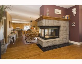 """Photo 8: 387 VERNON Place in Gibsons: Gibsons & Area House for sale in """"ISLANDVIEW ESTATES"""" (Sunshine Coast)  : MLS®# V787669"""