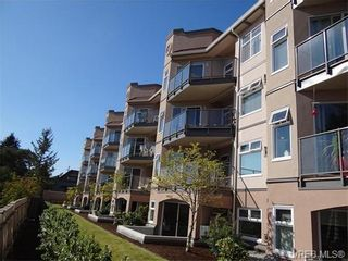 Photo 3: 411 1083 Tillicum Rd in VICTORIA: Es Kinsmen Park Condo for sale (Esquimalt)  : MLS®# 743444