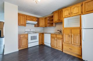 Photo 9: 130 Silvergrove Road NW in Calgary: Silver Springs Semi Detached for sale : MLS®# A1132950