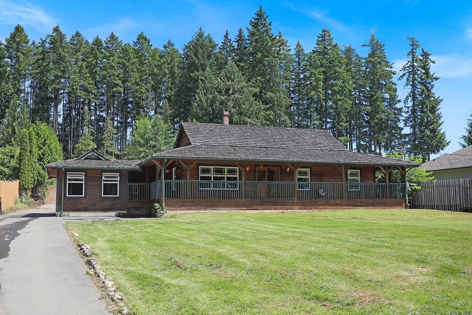 Main Photo: 3288 Union Rd in : CV Cumberland House for sale (Comox Valley)  : MLS®# 879016