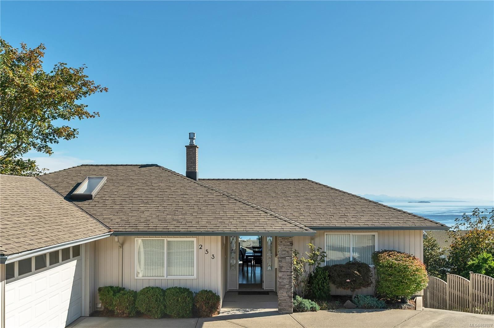 Photo 31: Photos: 253 S Alder St in : CR Campbell River South House for sale (Campbell River)  : MLS®# 857027