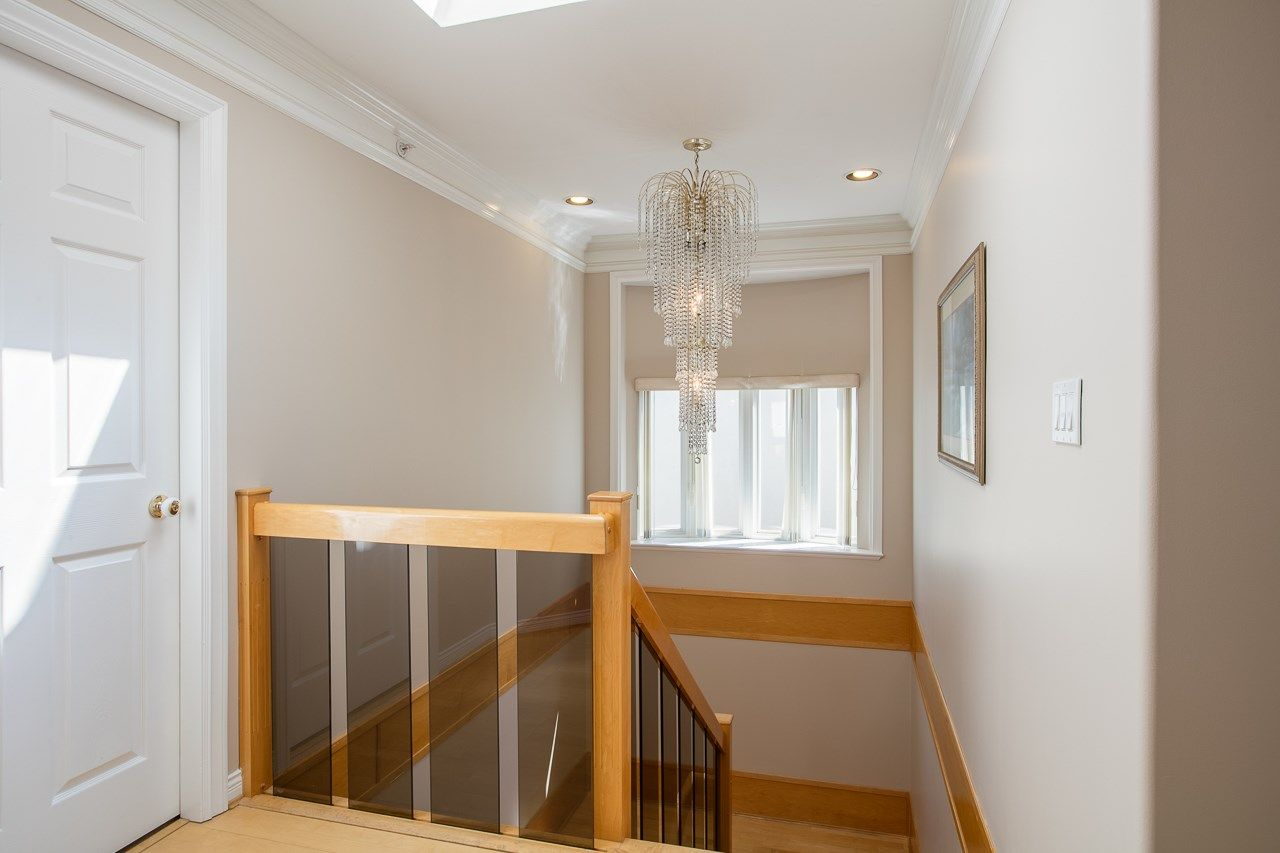 Photo 10: Photos: 6228 DOMAN Street in Vancouver: Killarney VE House for sale (Vancouver East)  : MLS®# R2186652