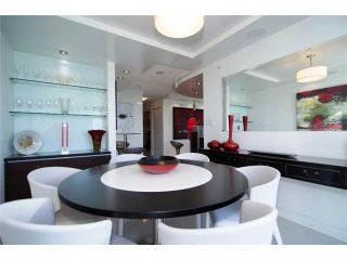 """Photo 6: 2202 1408 STRATHMORE MEWS ME in Vancouver: Yaletown Condo for sale in """"WEST ONE"""" (Vancouver West)  : MLS®# V969471"""