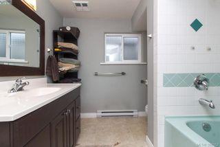 Photo 15: 2438 Dunlevy St in VICTORIA: OB Estevan House for sale (Oak Bay)  : MLS®# 780802