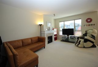 Photo 2: 225 3105 DAYANEE SPRINGS BL BOULEVARD in Coquitlam: Westwood Plateau Townhouse for sale : MLS®# R2138549