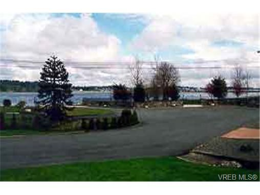 Main Photo: 205 Portsmouth Dr in VICTORIA: Co Lagoon House for sale (Colwood)  : MLS®# 208783