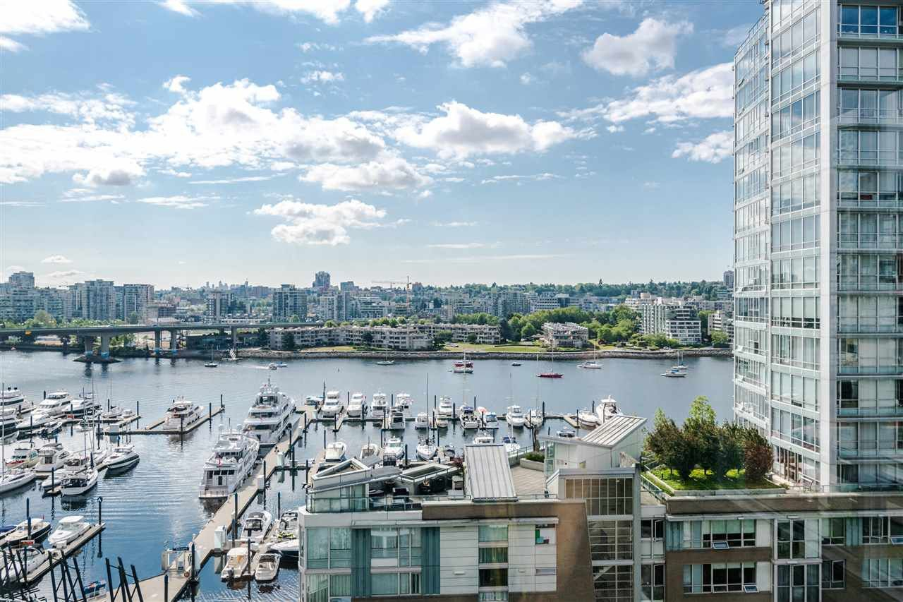 Main Photo: 1206 1201 Marinaside Crescent in Vancouver: Yaletown Condo for sale (Vancouver West)  : MLS®# R2384239