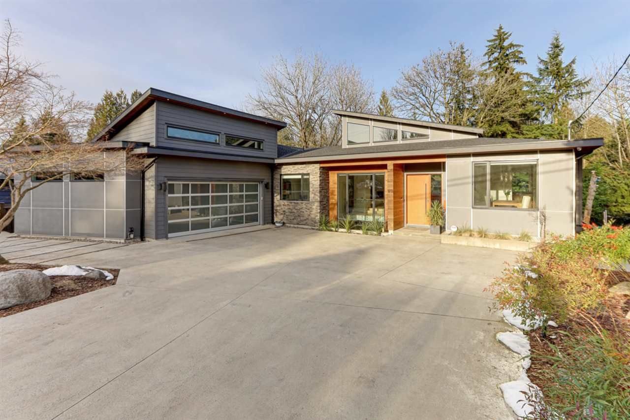 Main Photo: 1571 HARBOUR Drive in Coquitlam: Harbour Place House for sale : MLS®# R2547636