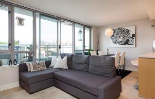 """Photo 4: 522 2008 PINE Street in Vancouver: False Creek Condo for sale in """"MANTRA"""" (Vancouver West)  : MLS®# R2348599"""