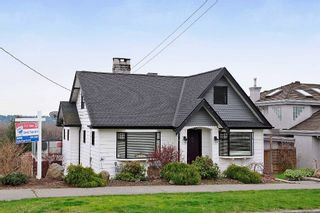 """Photo 1: 1702 7TH Avenue in New Westminster: West End NW House for sale in """"WEST END"""" : MLS®# V997003"""