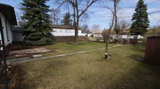 Photo 4: 325 Dunbeath Avenue in Winnipeg: North Kildonan Residential for sale (North East Winnipeg)  : MLS®# 1207381