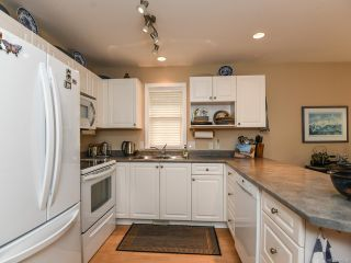 Photo 13: 16 2010 20th St in COURTENAY: CV Courtenay City Row/Townhouse for sale (Comox Valley)  : MLS®# 795658
