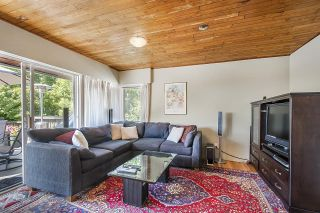 Photo 12: 555 LUCERNE Place in North Vancouver: Upper Delbrook House for sale : MLS®# R2599437